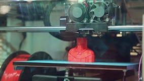 De 3D printer op het werk stock videobeelden