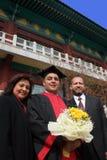De dag van de graduatie voor een internationale student bij een Aziatische universi stock afbeelding