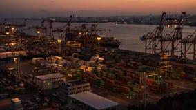 De dag van de tijdtijdspanne aan nacht van containerhaven, Tokyo, stock footage