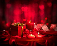 De dag van de valentijnskaart Kaarsen en Giftdoos Stock Foto's