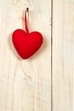 De dag van de valentijnskaart Rood stoffenhart Stock Afbeelding