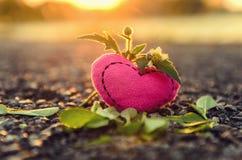 De dag van de valentijnskaart `s Gebreide harten Stock Foto's