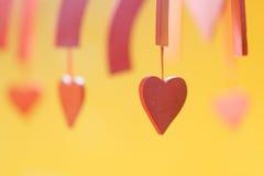 De dag van de valentijnskaart verfraaid valentijnskaarthart, achtergrond dicht omhoog Stock Foto