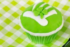 De dag van Heilige Patrick van Cupcake Stock Afbeeldingen