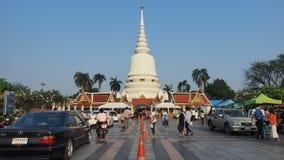 De Dag van Makhabucha bij Thaise tempel Wat Phra Sri Stock Afbeeldingen