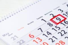 De dag van de overwinning 9 Mei-teken op de kalender stock afbeeldingen