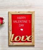 De dag van de valentijnskaart `s Gelukkige de Dagkaart van Valentine ` s, giftdoos en rode ro Stock Foto