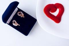 De dag van Valentine, punten op witte of heldere achtergrond stock fotografie