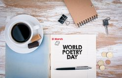 De Dag van de wereldpoëzie, 21 Maart Voorbeeldenboek op de Desktop Stock Foto's