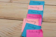 De dagen van de week - de document stickers in bijlage aan de raad is stock afbeelding