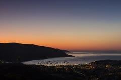 De dageraad op het eiland van Elba (Toscanië, Italië) Royalty-vrije Stock Foto's