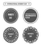 De Dagetiketten van vector Gelukkige internationale Vrouwen voor plaats, kaart, zegel Stock Foto's