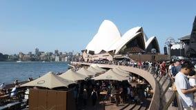 De dagmenigten van Australië in Sydney Opera House, Australië stock footage