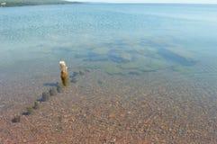 De dagzomende aardlaag grote marais van meer superieure shorelinerock Royalty-vrije Stock Fotografie