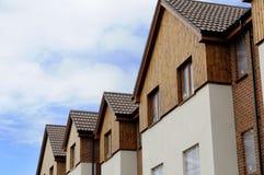 De daken en de voorzijden van het huis Stock Foto's