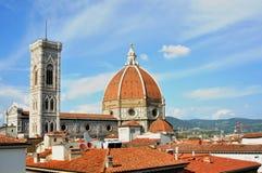 De daken in het centrum van de stad van Florence Italië stock afbeelding
