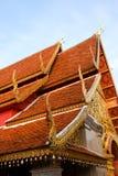 De daken van de tempel van Wat Phrathat Doi Suthep Stock Foto