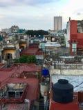 De daken van Havana, Cuba stock foto's