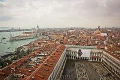 De daken van Venetië Stock Afbeeldingen