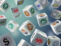 De dalende uitstekende kubussen met een beeld van een munt beperken op bl Stock Fotografie