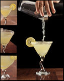 De daling martini van de citroen Stock Foto's