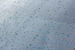 De dalingen van de regen op glas Royalty-vrije Stock Foto's