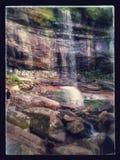 De Dalingen van FallsRainbow van de regenboog Stock Fotografie
