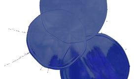 De dalingen van het blauwe inktdruppeltje op de witte oppervlakte 3d geef vloeistof met zeer hoog detail en alpha- masker voor he royalty-vrije illustratie