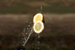 De dalingen van het citroenwater Stock Afbeeldingen