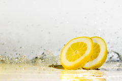 De dalingen van het citroenwater Royalty-vrije Stock Foto