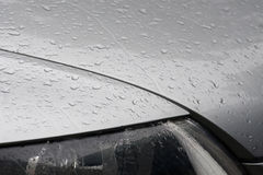 De dalingen van het water op auto Royalty-vrije Stock Afbeeldingen