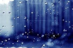 De Dalingen van het water op Glas Stock Afbeelding