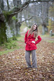 De dalingsbos van het meisje Royalty-vrije Stock Foto's