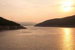 De dam Bhumibol in Thailand. Stock Fotografie