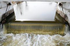 De dam op de rivier Stock Foto