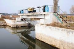 De dam op de rivier Royalty-vrije Stock Foto