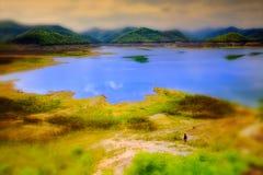 De dam op het meer Mae Kuang Dam royalty-vrije stock foto's