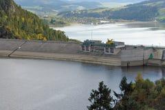 De dam van Czorsztyn van het meer Stock Fotografie