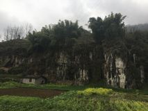 De dam van de dorps moestuin, die door liuzan overgaan royalty-vrije stock foto