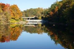 De Dam van het dorp Stock Foto