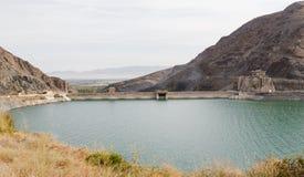 De dam van het Kirovreservoir Gebouwde 1965 - 1975, het gezicht van Lenin ` s op de advertentie Royalty-vrije Stock Foto