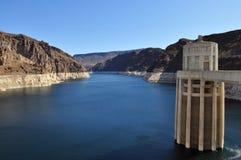 De Dam van Hoover en de Weide van het Meer Stock Fotografie