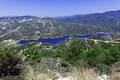 De dam van Kouris met reservoir, Cyprus Royalty-vrije Stock Foto