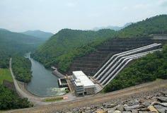 De dam van Srinakarin in Thailand Stock Fotografie