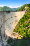 De dam van Vidraru stock foto's