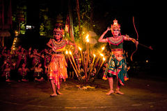 De Dans van de Brand van Kecak van vrouwen royalty-vrije stock foto's