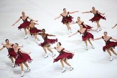 De dans van de teamv.s. Één Stock Afbeeldingen