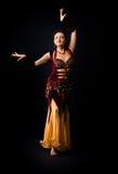 De dans van de vrouw in Arabisch kostuum Stock Foto