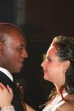 De dans van het huwelijk van een onlangs-gehuwd paar. Royalty-vrije Stock Foto's