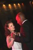 De dans van het huwelijk van een onlangs-gehuwd paar. Royalty-vrije Stock Foto
